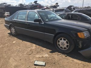 1993 MERCEDES 400 SEL PARTS CAR for Sale in Philadelphia, PA