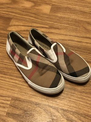 Burberry shoes for girls 2-3 for Sale in Lynnwood, WA