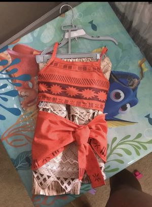 Moana Disney outfit size 4t for Sale in McDonough, GA