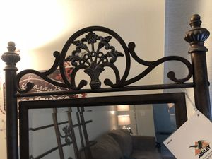 King Ashley Furniture Sleigh Bed for Sale in Gaithersburg, MD