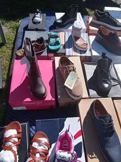 Articulos Para Hogar Ropa Y Zapatos for Sale in Anaheim,  CA