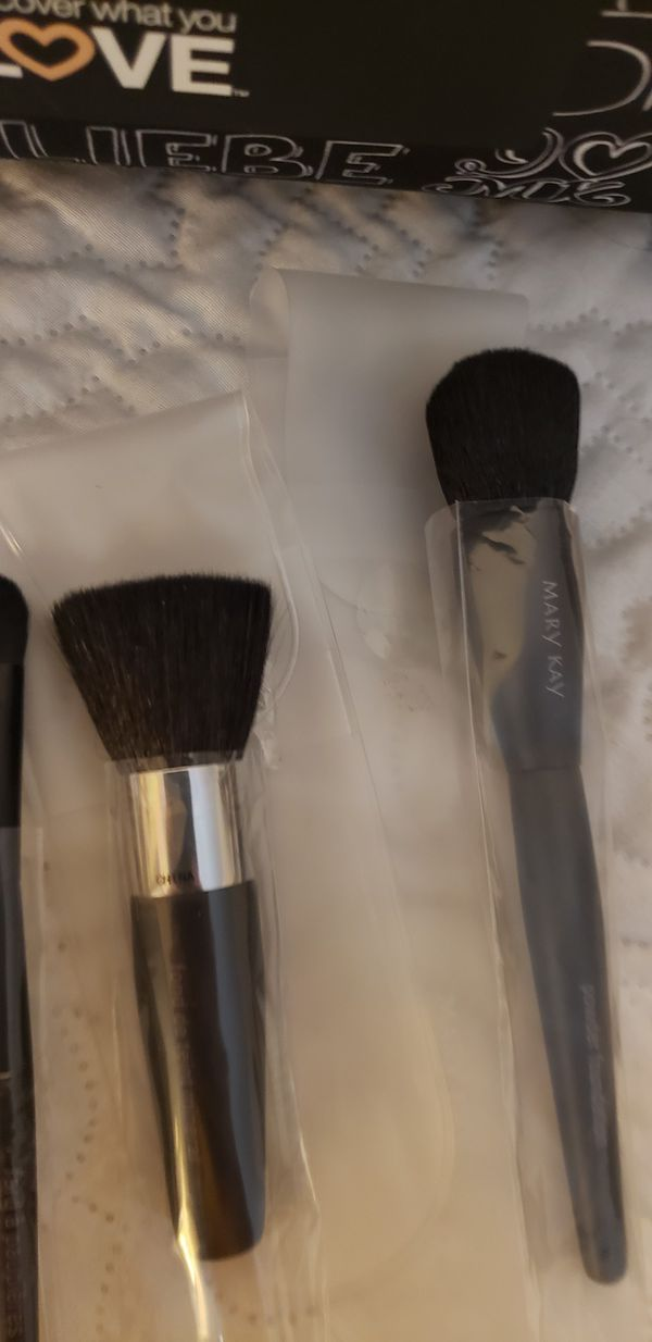 Marykay makeup brushes