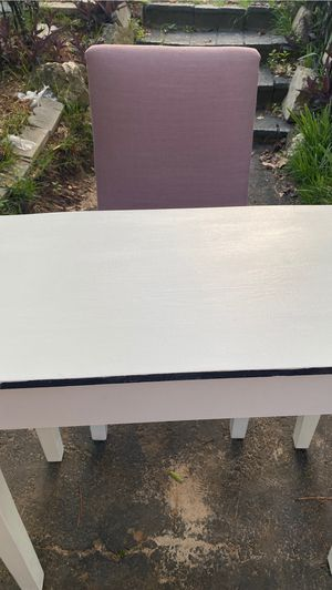 Desk and chair for Sale in Columbia, SC