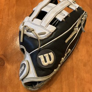 A2000 Fp 1275 Super Skin Fastpitch Glove for Sale in Burleson, TX