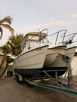 22 foot catamaran fishing boat with aluminum trailer for Sale in San Diego, CA