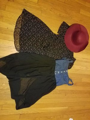 Bundle 2 dresses forever 21 medium for Sale in Verona, NJ