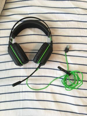 Razer Gaming Headset With Mic-USB Cable for Sale in Hialeah, FL