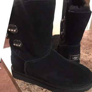 Uggs Brand new size 6 for Sale in Nashville, TN