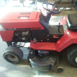 Wizard lawn tractor new motor all serviced ready to go 350 obo for Sale in Stewartville, MN