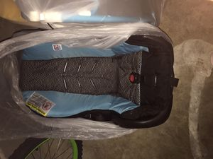 2 Car Seats And 2 Bases for Sale in Memphis, TN
