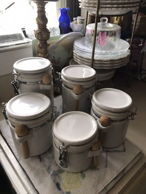 Five piece white ceramic canister set. Excellent condition. for Sale in Port St. Lucie, FL