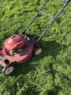 Toro 6.5 HP Gas RED Lawn mower grass Weeds for Sale in Woodburn,  OR