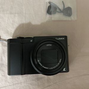 Panasonic LUMIX With Leica Lens. Dmc-zs100 for Sale in Fort Lauderdale, FL