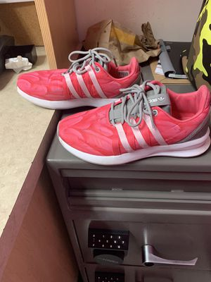 Womens Adidas Feather Sneakers Size 6.5 for Sale in Buffalo, NY