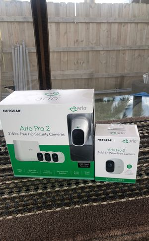 Arlo pro 2 4 cameras for Sale in Hialeah, FL