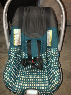 Car seat for Sale in Elkins, AR