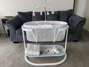FISHERPRICE SOOTHING MOTIONS BASSINET + newborn pampers, batteries included & 3 sheets! NEVER USED for Sale in KNG OF PRUSSA, PA