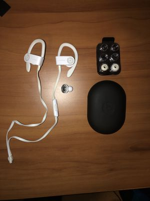 *For Parts* Powerbeats 3 White for Sale in Lorton, VA