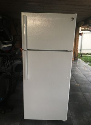 General Electric refrigerator 17.5 cu ft for Sale in Hialeah, FL
