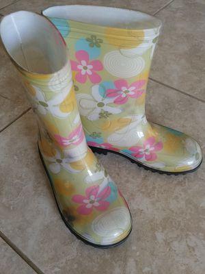Size 3 Little Girls Flower Rain Boots for Sale in Buckeye, AZ