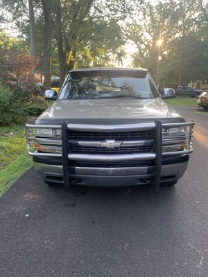2000 Chevy Silverado 223,223 miles Z71 4x4 newer trans well taken care of. Needs tires runs great for Sale in Mokena, IL