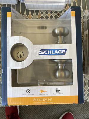Schlage door lock set with keyed entry for front door ( chapa para puerta den enfrente ) for Sale in Paramount, CA