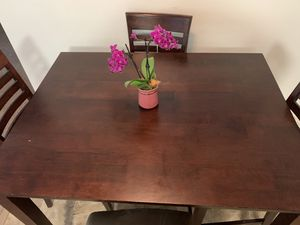 Dinning table (4 chairs) for Sale in San Diego, CA