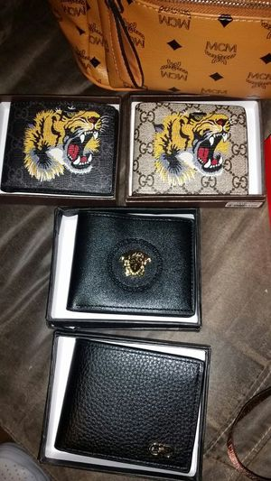 Gucci wallet/ Versace wallet for Sale in Salt Lake City, UT