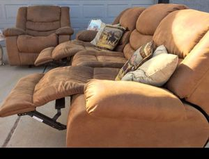 Recliner sofa and loveseat for Sale in Phoenix, AZ