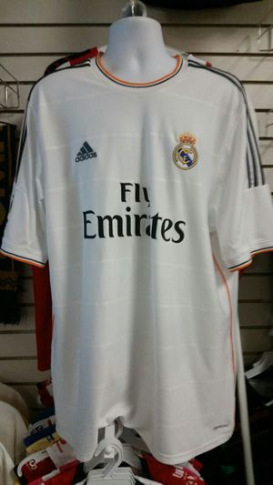 Real madrid jersey original XXL for Sale in Moreno Valley, CA