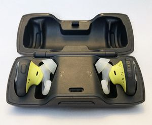 Bose SoundSport wireless headphones with charging case. for Sale in Falls Church, VA