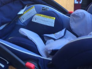 Car seat w base price reduction for Sale in Littleton, CO