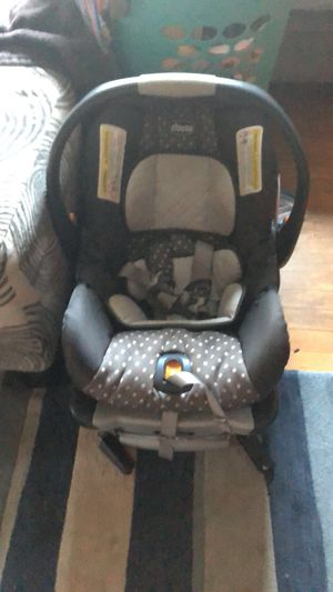 Chicco keyfit 30 infant car seat for Sale in Chesapeake, VA