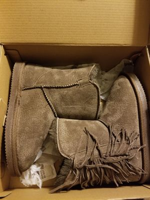 Girls Lam Boots for Sale in Vancouver, WA