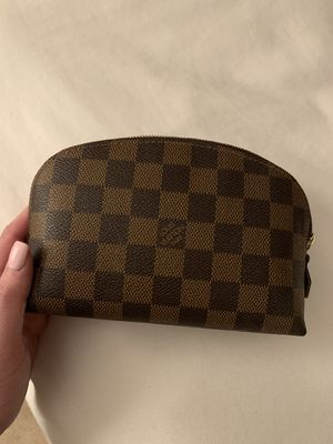 Louis Vuitton Cosmetic bag! for Sale in Irvine, CA