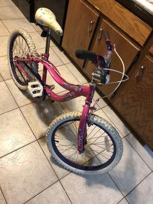 Bike schwinn size 20x2.25 for Sale in Bloomingdale, IL