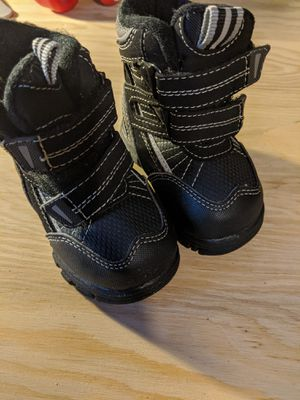 Kids snow boots size 5 for Sale in Auburn, WA