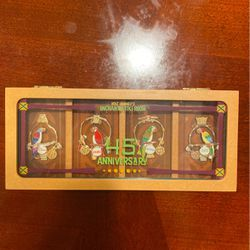 Walt Disney Limited Edition Pin Set for Sale in Anaheim,  CA