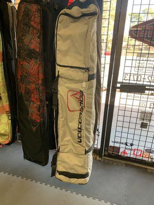 Volcom Large wheel snowboard travel bag for Sale in Las Vegas, NV