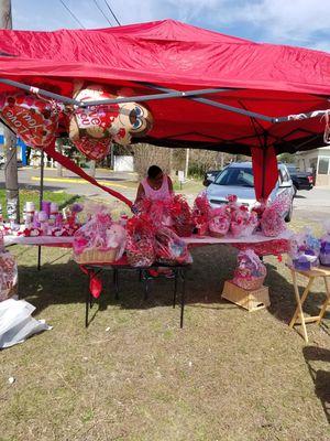 Valentine's Day Baskets for Sale in Orlando, FL