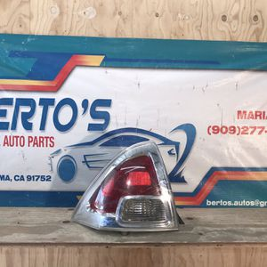 2006-2009 Ford Fusion Tail Light Driver Side for Sale in Jurupa Valley, CA