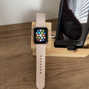 Apple Watch 3 Rose Gold +Cellular LTE 38mm for Sale in Solana Beach, CA