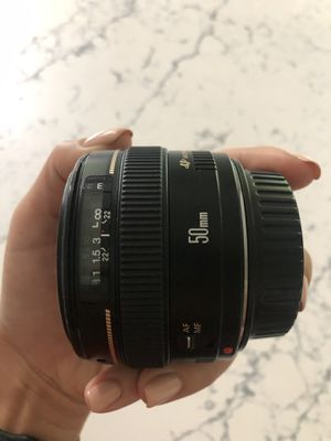 Canon lense 50mm 1:1.4 for Sale in Puyallup, WA