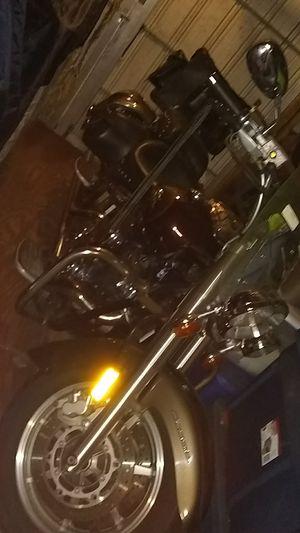 Motorcycle Yamaha V-star1100 Silverado for Sale in Gibsonton, FL
