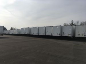 Trailers Hyundai and Stoughton for Sale in Chicago, IL