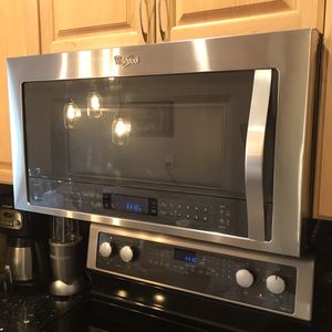 Whirlpool Gold Series Convect Microwave Model:WMH76719CS-1 for Sale in Miramar, FL