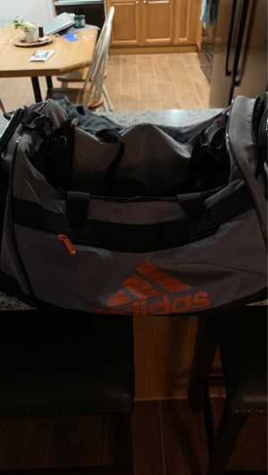 Adidas duffle bag medium for Sale in Madison Heights, VA