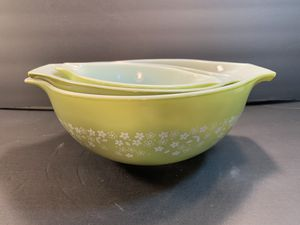 PYREX Vintage Casserole Green Spring-Blossom-2 Nesting Bowls (Set of 3) for Sale in Dade City, FL