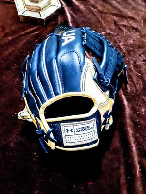 Under Armour Genuine Pro Series mens baseball glove for Sale in Montgomery, AL