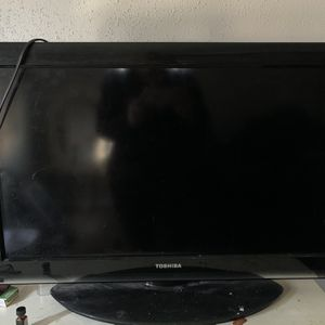 42 In Toshiba Flat Screen Tv for Sale in Norfolk, VA